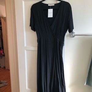 Dresses & Skirts - Black v neck dress